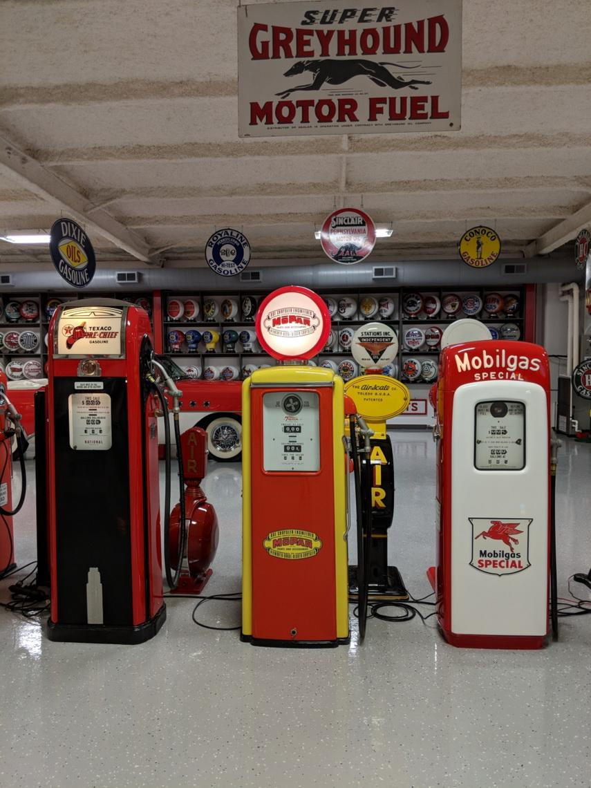 Gas Pump Globes - Route 32 Auctions