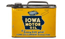Iowa Motor Oil cans